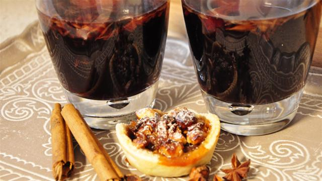 Mulled wine and mince pies.